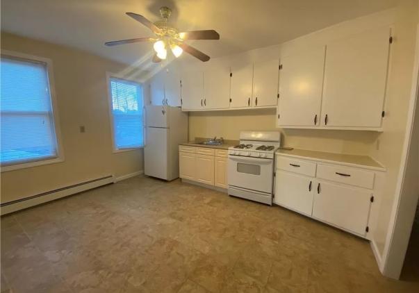 668 Blue Hills Avenue, Hartford, CT 06112