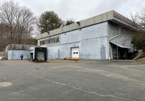17 Industrial Drive, Waterford, CT 06385