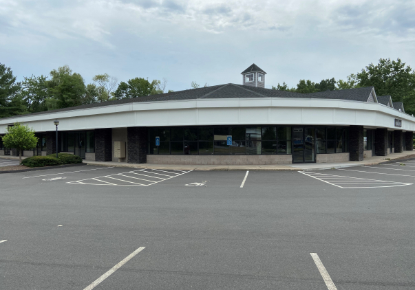 353 Scott Swamp Road, Farmington, CT 06032