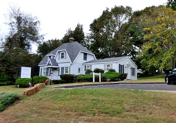143 Boston Post Road, Waterford, CT 06385
